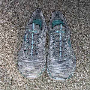 Women's 9 slip on tennis shoes sketchers